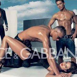 Anuncio Dolce-Gabbana hombres músculos con mujer